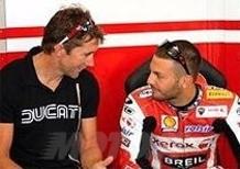 Ducati testa nuove soluzioni per la 1198R con Troy Bayliss