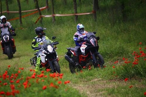 Maxi Enduro Camp: corso off road in sella alle bicilindriche con Fasola