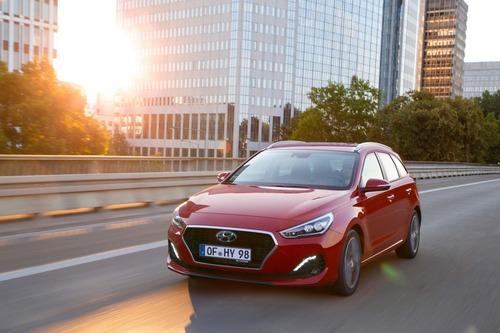 Hyundai i30, aggiornamenti estetici e nuovo motore diesel (6)