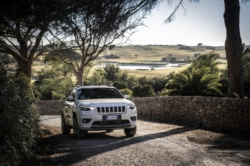 Jeep Cherokee 2019, ecco come è cambiata [Video e foto] (2)