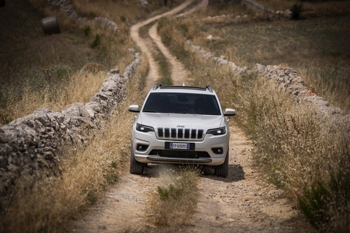 Jeep Cherokee 2019, ecco come è cambiata [Video e foto] (6)