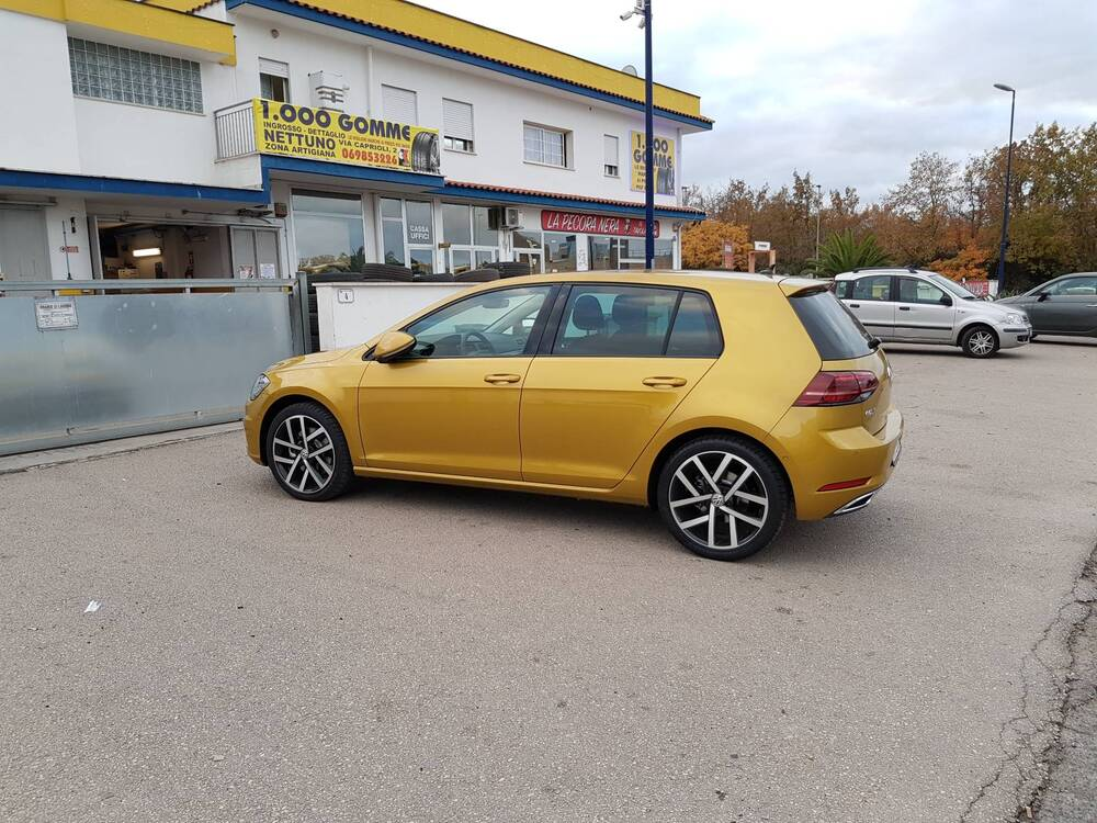 Volkswagen Golf 2.0 TDI DSG 5p. Executive BlueMotion Technology del 2017 usata a Roma (2)