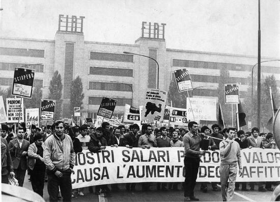 Operai Fiat in sciopero a Mirafiori. E' l'autunno caldo del 1969