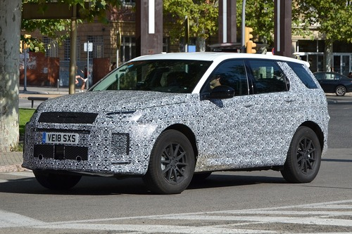 Land Rover Discovery Sport restyling, le foto spia (4)
