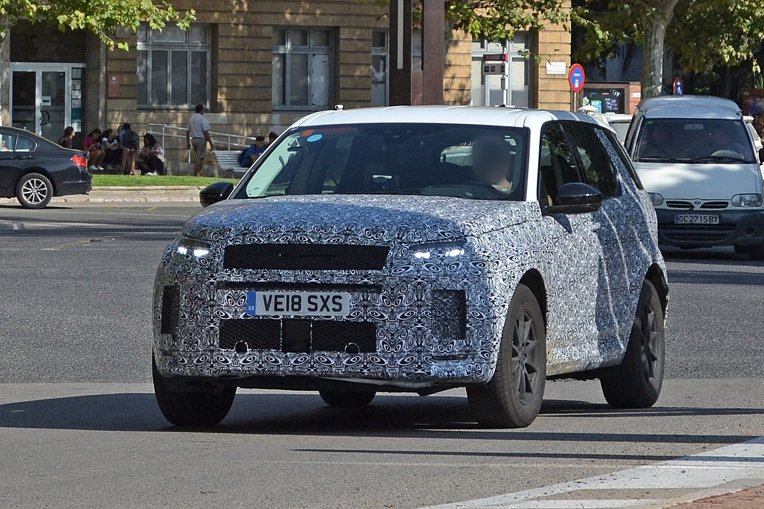 Land Rover Discovery Sport restyling, le foto spia
