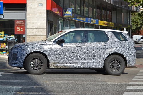 Land Rover Discovery Sport restyling, le foto spia (7)