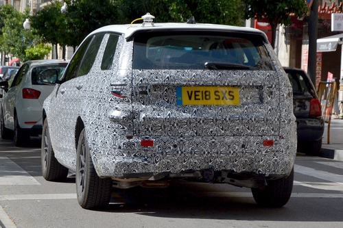 Land Rover Discovery Sport restyling, le foto spia (9)