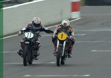 Corser vs. McGuinness sulle moto d'epoca a Goodwood