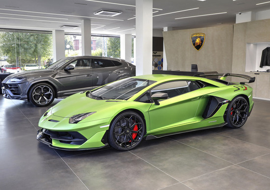 Lamborghini, nuova concessionaria a Bologna