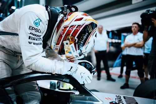F1, GP Singapore 2018: Hamilton, un giro da manuale
