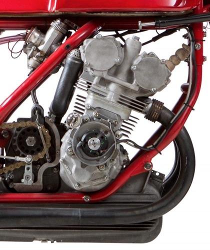 MV Agusta, all'asta la leggendaria 3 cilindri che corse nel 1973 (3)
