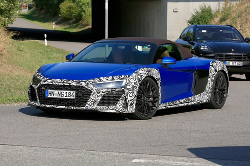Audi R8 Spyder restyling, le foto spia (3)