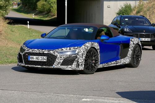 Audi R8 Spyder restyling, le foto spia (3)