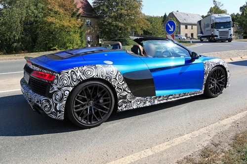Audi R8 Spyder restyling, le foto spia (5)