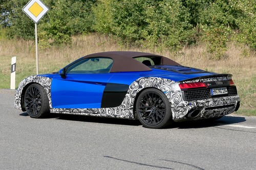 Audi R8 Spyder restyling, le foto spia (9)