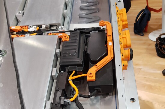 I singoli moduli dentro al pacco batterie delle vetture MEB