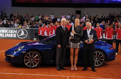 Maria Sharapova positiva al doping: sospesi i contratti, anche con Porsche (3)