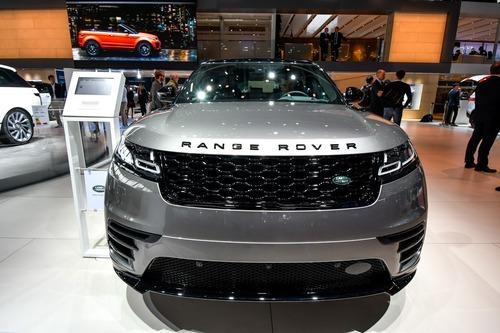Land Rover al Salone di Parigi 2018 (3)