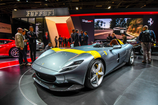 La Ferrari Monza SP1, fuoriserie monoposto derivata dalla 812 Superfast. E' disponibile anche in versione biposto, la Monza SP2