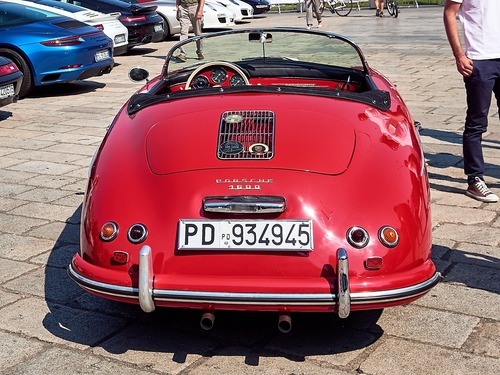 Porsche 356 Speedster, Piccola regina over60 (8)
