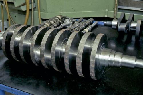 Tecnica del motore: come sono fatti gli alberi a gomiti  (6)