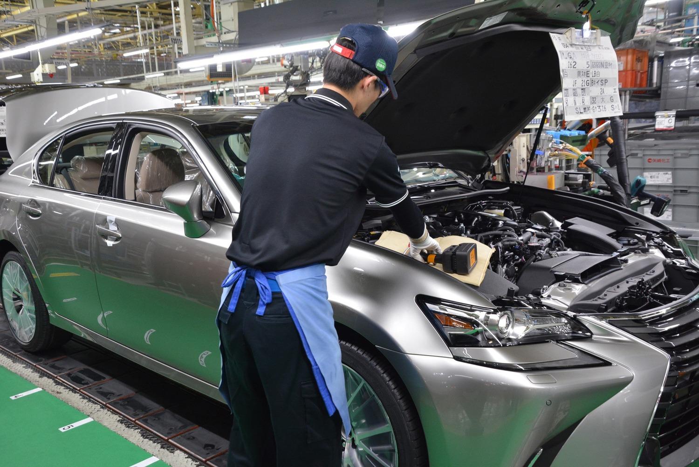 Auto ibride, Manutenzione: con Hybrid Service Toyota la garanzia è decennale