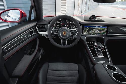 Porsche Panamera, arrivano le versioni GTS (6)