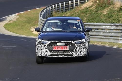 Audi A1 Allroad, avvistata al Nürburgring [Foto spia] (4)
