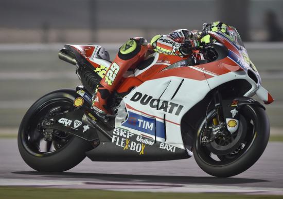 MotoGP 2016. Qatar FP2. Miglior tempo per Iannone