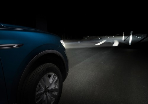 VW, Illuminazione: nuovi gruppi ottici e segnalazioni visive dell'auto [Parte 2 - Video] (7)