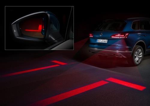 VW, Illuminazione: nuovi gruppi ottici e segnalazioni visive dell'auto (Parte3 - Video)
