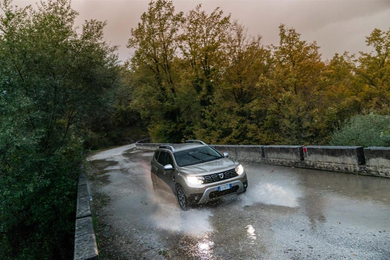 Nuovo Dacia Duster 2018 GPL: il N°1 dei SUV è gasato, ma con i piedi per terra [video]