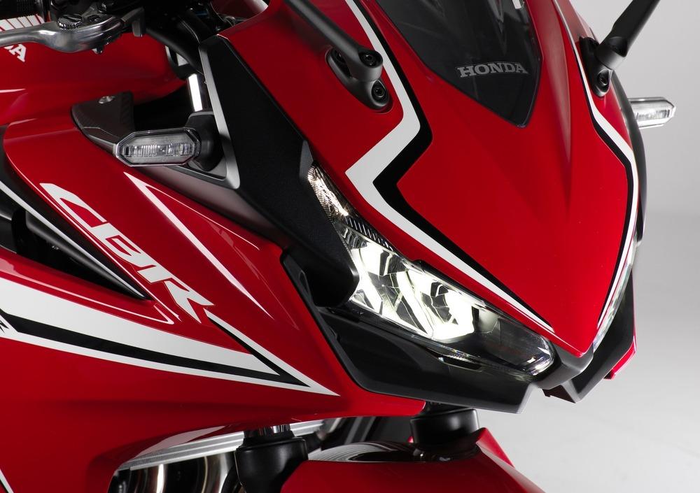 Honda CBR 500 R (2019) (5)