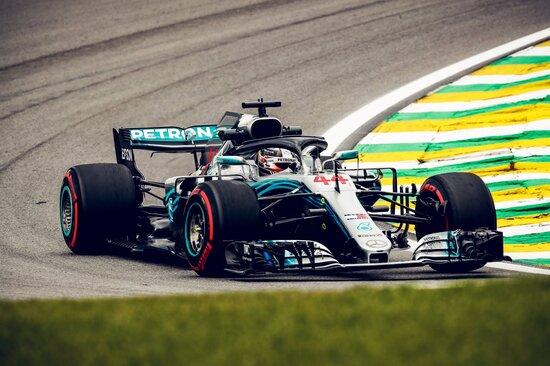 Vittoria per Lewis Hamilton in Brasile