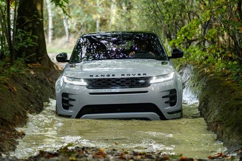 Nuova Range Rover Evoque 2019: eccola [video – foto] (4)