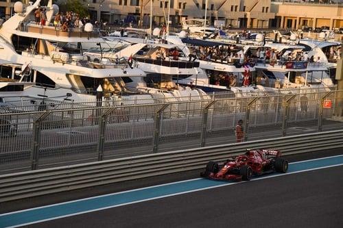 F1, GP Abu Dhabi 2018: la tuta di Alonso e le altre news (9)
