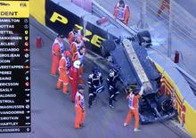 F1, GP Abu Dhabi 2018: grave incidente per Hulkenberg. Rimane bloccato da HALO [Video]