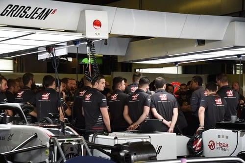 F1, GP Abu Dhabi 2018, Hamilton: «Un onore gareggiare con Vettel» (9)