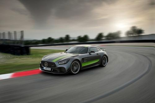 Mercedes-AMG GT: restyling per tutta la gamma al Salone di Los Angeles (9)