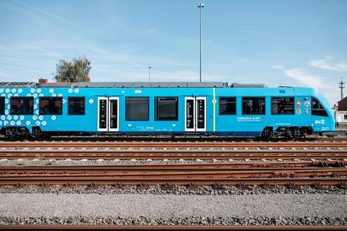 Idrogeno al posto del gasolio nei serbatoi: auto per ora no, ma treno si (2)