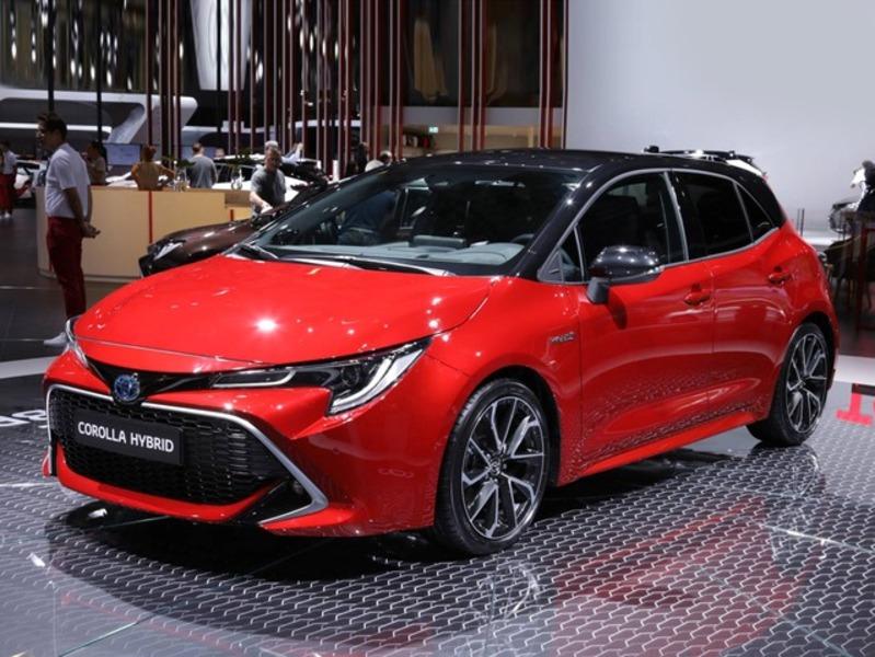 Toyota Corolla 1 8 Hybrid Business 01 2019 Prezzo E Scheda