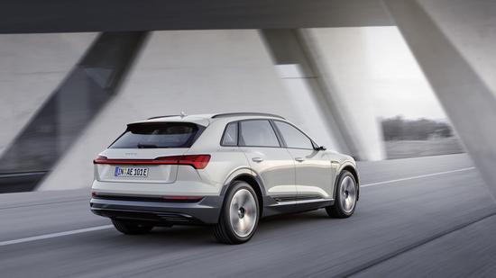 La nuova Audi e-tron