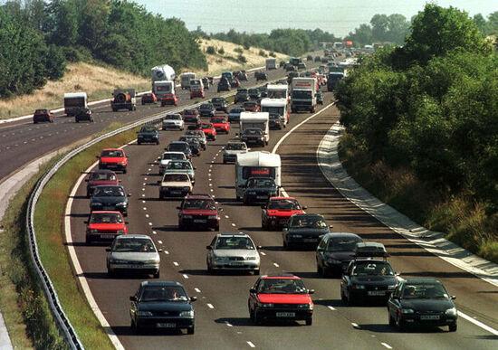 Bonus-malus emissioni: escluse le auto di lusso. Ci sarà un tetto