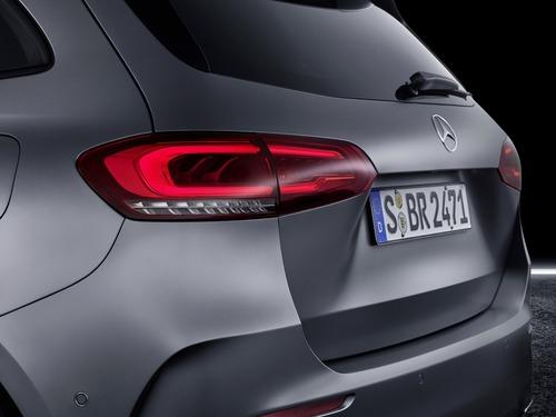 Mercedes Classe B, i prezzi: si parte da 27.140 euro (4)