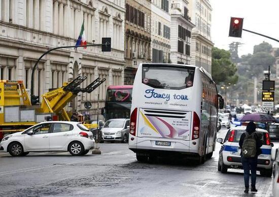 Roma: da gennaio bus turistici fuori dal centro
