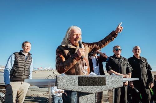 Virgin Galactic: il volo di SpaceShipTwo apre le porte al turismo spaziale (3)