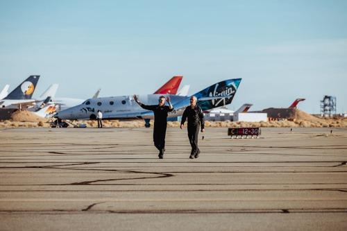 Virgin Galactic: il volo di SpaceShipTwo apre le porte al turismo spaziale (6)