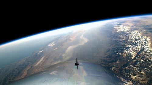 Virgin Galactic: il volo di SpaceShipTwo apre le porte al turismo spaziale (8)