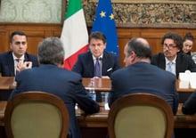 Leggi e Nuove Tasse per l'Auto in Italia: al governo piace troppo elettrica?