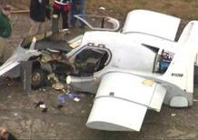 Auto ibrida volante in test a Detroit: si schianta a terra [video]
